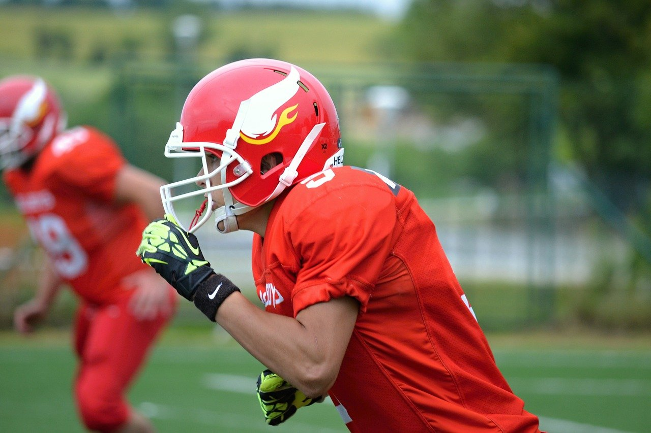 How a High School Athlete Can Become a Professional Football Player