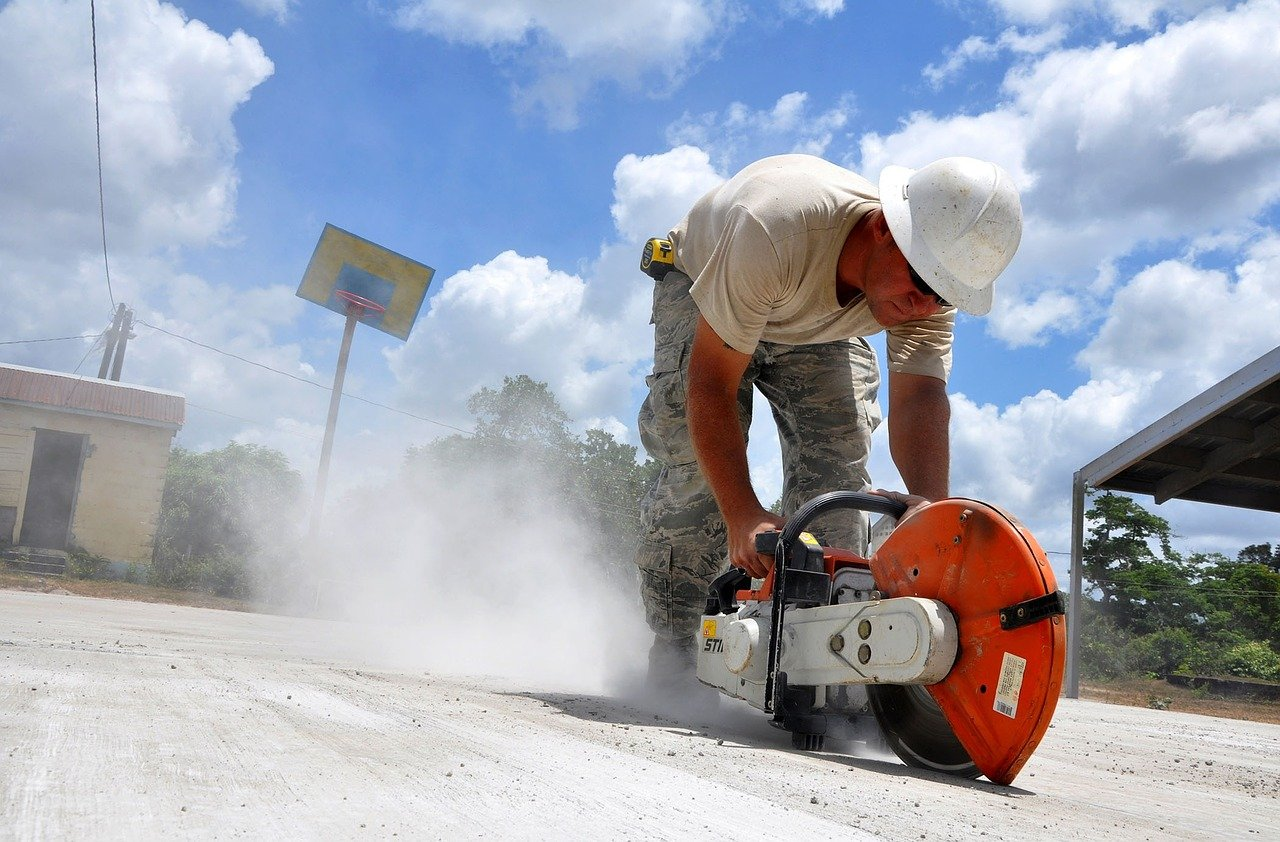 Warning to DIY enthusiasts & construction workers as dangerous dust emissions