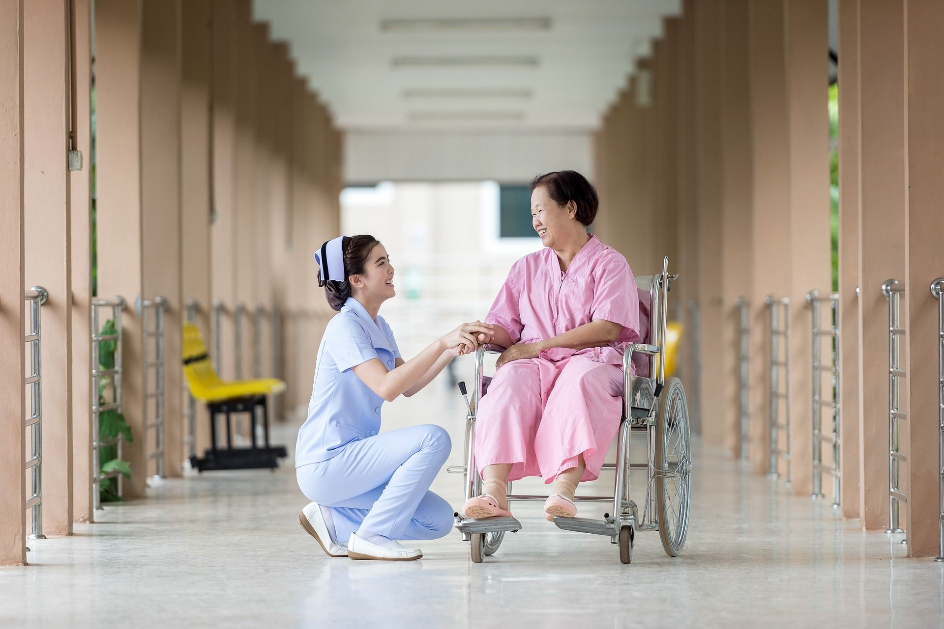 What to Look for When Picking a Nursing Facility for Elderly Parents