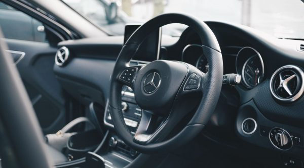 4 Key Reasons to Have Your Car Detailed Before a Big Date
