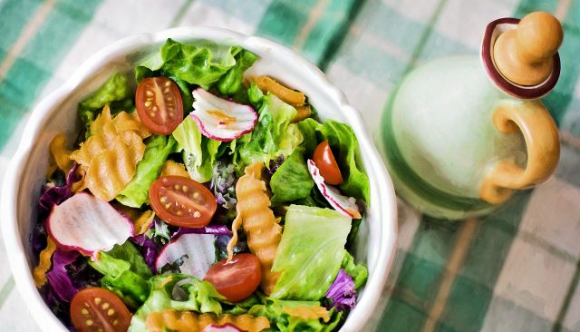 Oil on your salad may boost its benefits
