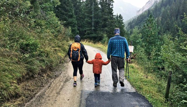 To fight child obesity, engage the whole family