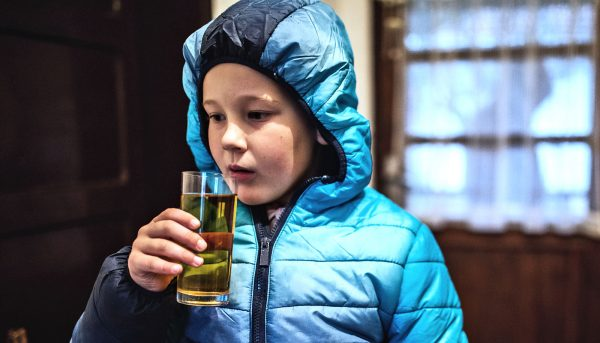 Letting kids taste alcohol isn't risk-free