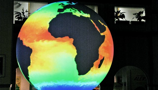 How a hotter early Earth became the rocky planet it is today