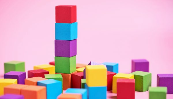 Preschoolers learn math skills with blocks and patterns